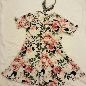 Floral Shift Dress in EUC